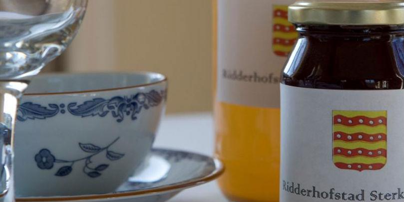 Kasteel Sterkenburg: appelsap en pruimenjam van eigen terrein