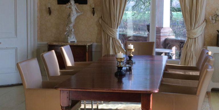 Zakelijke bijeenkomst, kleinschalig vergaderen in een kasteel
