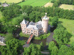 Kasteel Sterkenburg luchtfoto