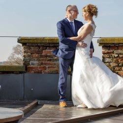 bruidspaar op toren